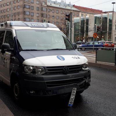 kolaroinut poliisiauto