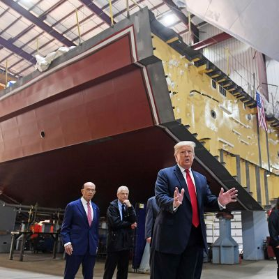 Donald Trump vieraili Fincantieri Marinette -telakalla Wisconsinissa torstaina.