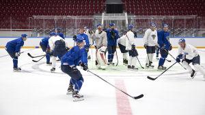 Finländska hockeylandslagsspelare har absolut inget emot dopningstest, förtydligar ishockeyförbundet.
