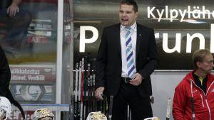 Tomek Valtonen är chefstränare för Sport.