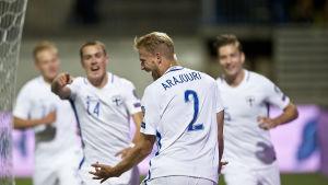 Paulus Arajuuri firar sitt mål, Finland-Kosovo, hösten 2016.