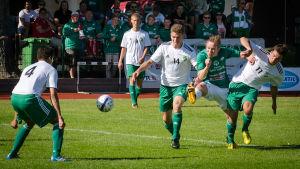 Robert Lindqvist gör mål för EIF