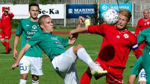 EIF:s Johan Estlande vs SOVO:s Werner Kaitila.