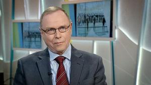 Pekka Visuri, doktor i statsvetenskap