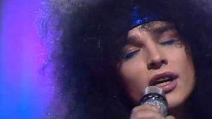 JLM esiintyy euroviisukarsinnoissa 1987.
