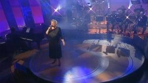 Anneli Saaristo laulaa