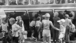 Lapset Karhulan kesäsiirtolassa