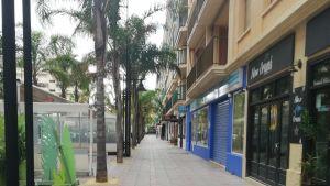 Folktom gata i Fuengirola, Spanien, där nödläge råder pga coronaviruset.