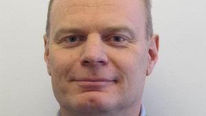 Erik Falk forskar i förolämpningar vid Uppsala universitet