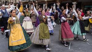 Jota-tanssijoita kadulla