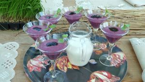 Speltmannavispgröt med aroniabär