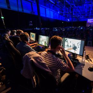 Team Menace.fi CS:GO-joukkue Lantrek 2015 -tapahtuman finaalissa