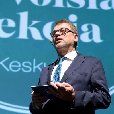 Keskustan puheenjohtaja Juha Sipilä puhui puolueen vaaliavausviikonlopun tilaisuudessa Helsingin Tennispalatsissa lauantaina 2. helmikuuta
