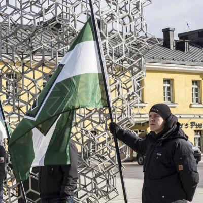 Nynazister på Narinkens torg i Kampen.