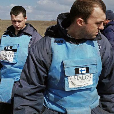 Miinanraivausta Itä-Ukrainassa.