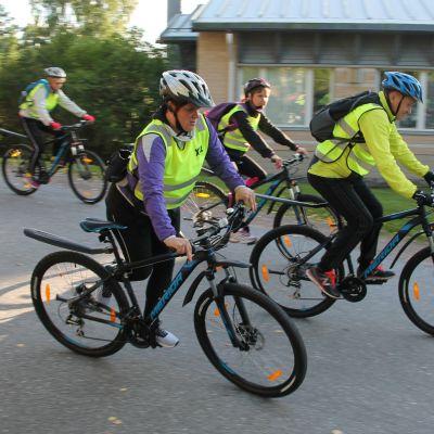 Savitaipaleen koulukeskuksen opettajat pyörillä