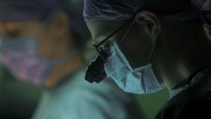 Neurokirurgi Elina (Krista Putkonen)