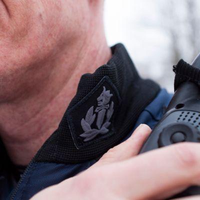 Poliisin Virve -puhelin.