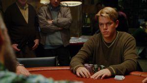 Matt Damon ja John Malkovich (selin) elokuvassa Rounders - ässä hihassa