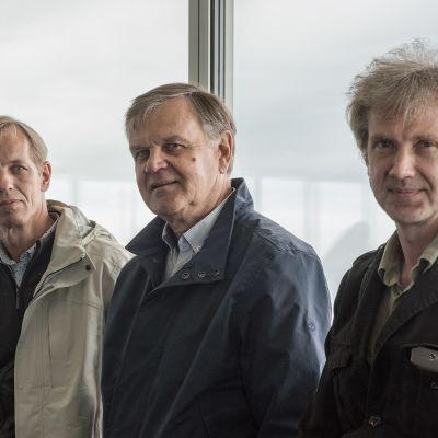 Kolme miestä jotka puolustivat tv-tornia.