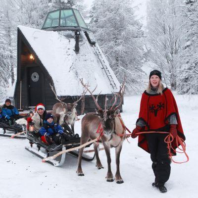 Komsio Rovaniemen Apukassa.