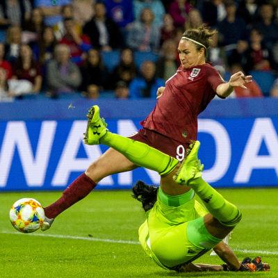 Jodie Taylor gör segermålet mot Argentina.