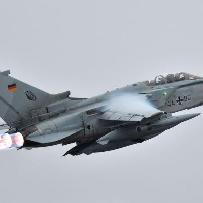 Tornado-kone ilmassa