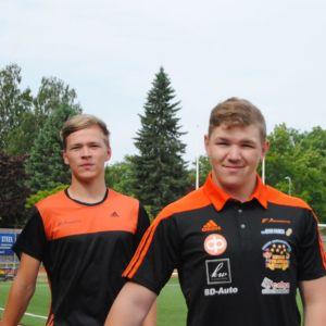 Oliver Öhman och Filip Wikholm står bredvid varandra.