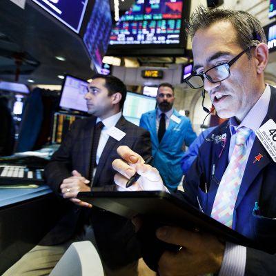 Kaupankäyntiä New Yorkin pörssissä.