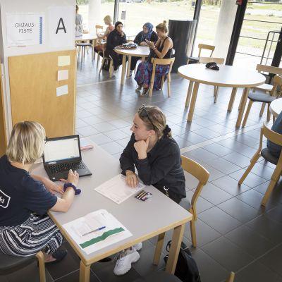 Ros Skogström hakee opiskelupaikkaa
