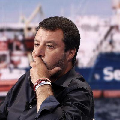 Sisäministeri Matteo Salvini kommentoi laivaa televisio-ohjelmassa 26. kesäkuuta.