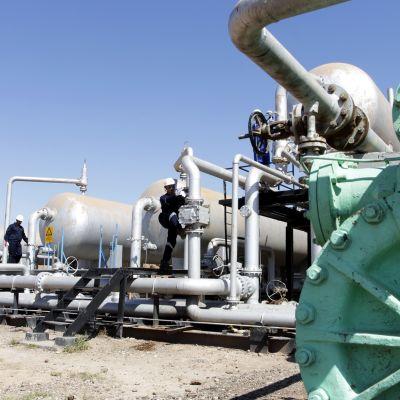 Öljyntuotantolaitos al-Fakkassa Iranin ja Irakin välisellä raja-alueella.