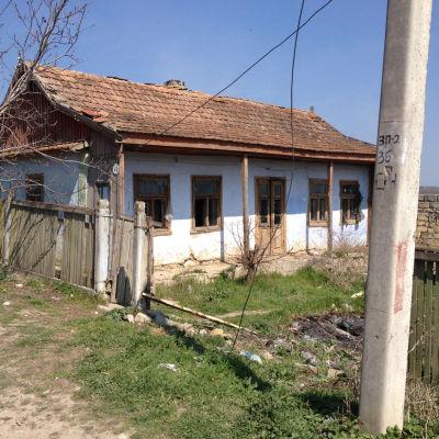 Gagauzien är ett fattigt jordbruksområde. Vin är viktigaste produkten.