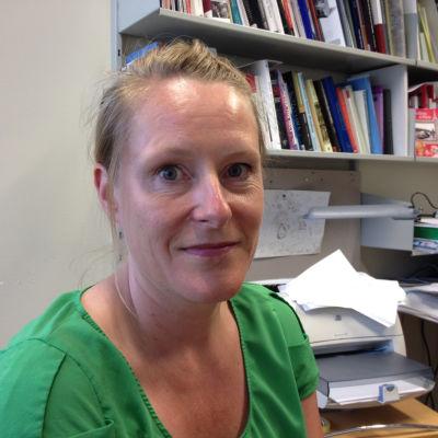 Reetta Toivanen arbetar vid HU vid Erik Castréninstitutet. Hon är akademiforskare och docent.