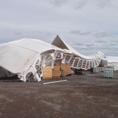 Laestadianeras tält på Söderfjärden blåste iväg i vinden 22.5.2015