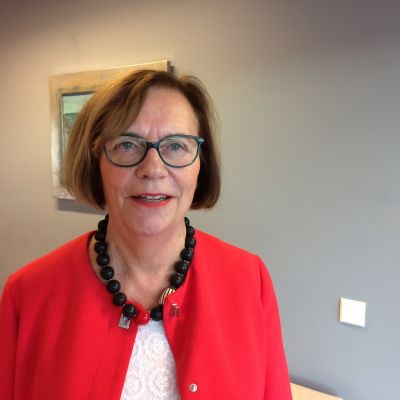 Gun Oker-Blom direktör för svenskspråkig utbildning och småbarnsfostran på Utbildingsstyrelsen