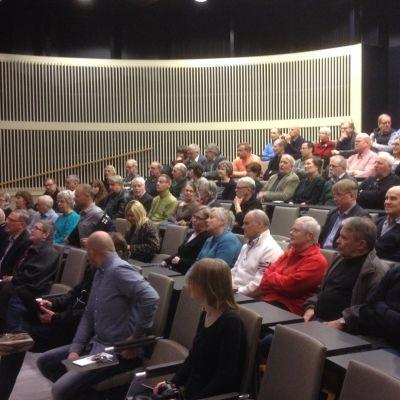 Medborgarmöte om torgplaneringen i Jakobstad