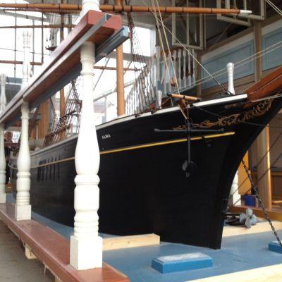 Barkbåten Alma.