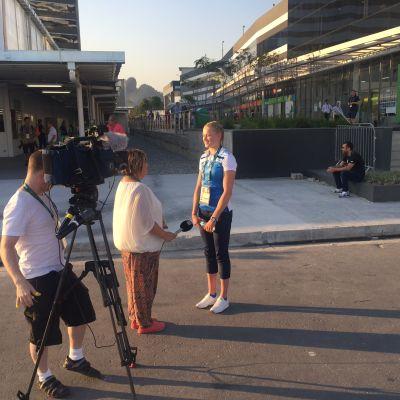 Wilma Murto Nina Vanhatalon haastattelussa Rion olympialaisissa.