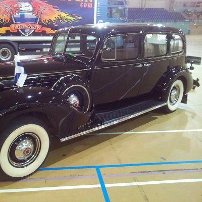 Marsalkka Mannerheimin Packard vuodelta 1938. Omistaja nykyisin Ville Vuorenmaa, Lapua.