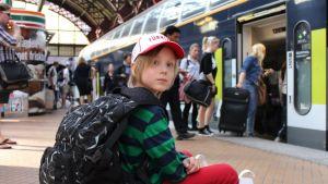 Förra sommaren reste Joar, då 8 år genom Polen med sin pappa. De besökte också koncentrationslägret Auschwitz.