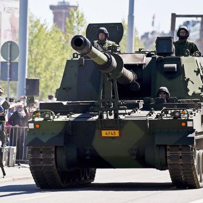 155 mm:n tela-alustainen panssarihaupitsi K9 Thunder
