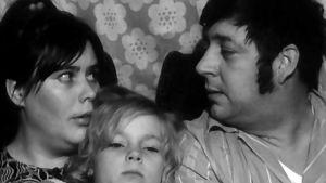 Suomiesten perhe. Tuula Nyman, Maarit Rinne ja Eero Rinne. Yhden miehen sota (1974).