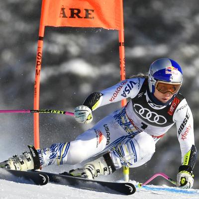 USA:s Lindsey Vonn försöker hitta formen under den första störtloppsträningen inför VM i Åre 2019.