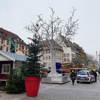 Suomalainen joulutori Strasbourgissa.