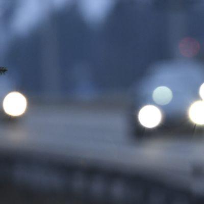 Joulun menoliikennettä Nelostiellä Vantaalla 21. joulukuuta