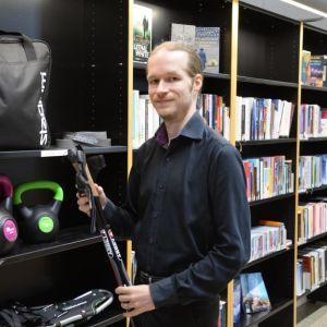 Tapani Häkkinen i Lovisa bibliotek