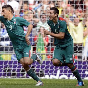 Oribe Peralta gjorde två mål i OS-finalen i London.
