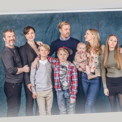 Porträttbild på tv-serien Bonusfamiljen säsong två.