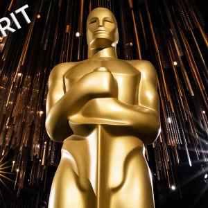 Oscar-patsas valonsäteitten ympäröimänä Oscar-gaalassa Hollywoodissa